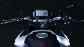 2020 Yamaha MT-03 handlebar and speedometer