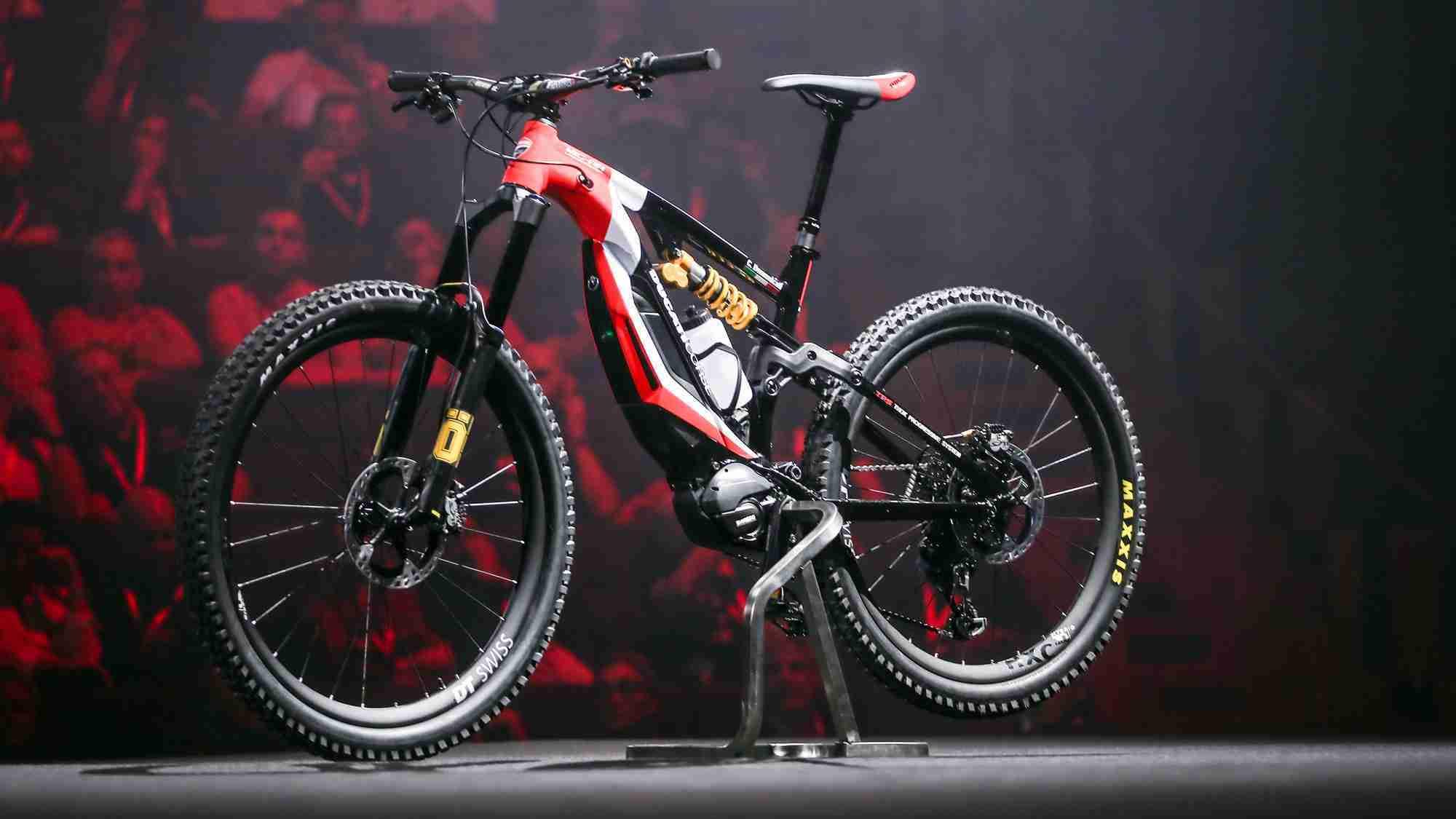 2020 Ducati Multistrada 1260 S Grand Tour HD wallpaper