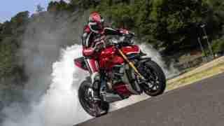 Ducati Streetfighter V4 S - HD wallpaper burnout