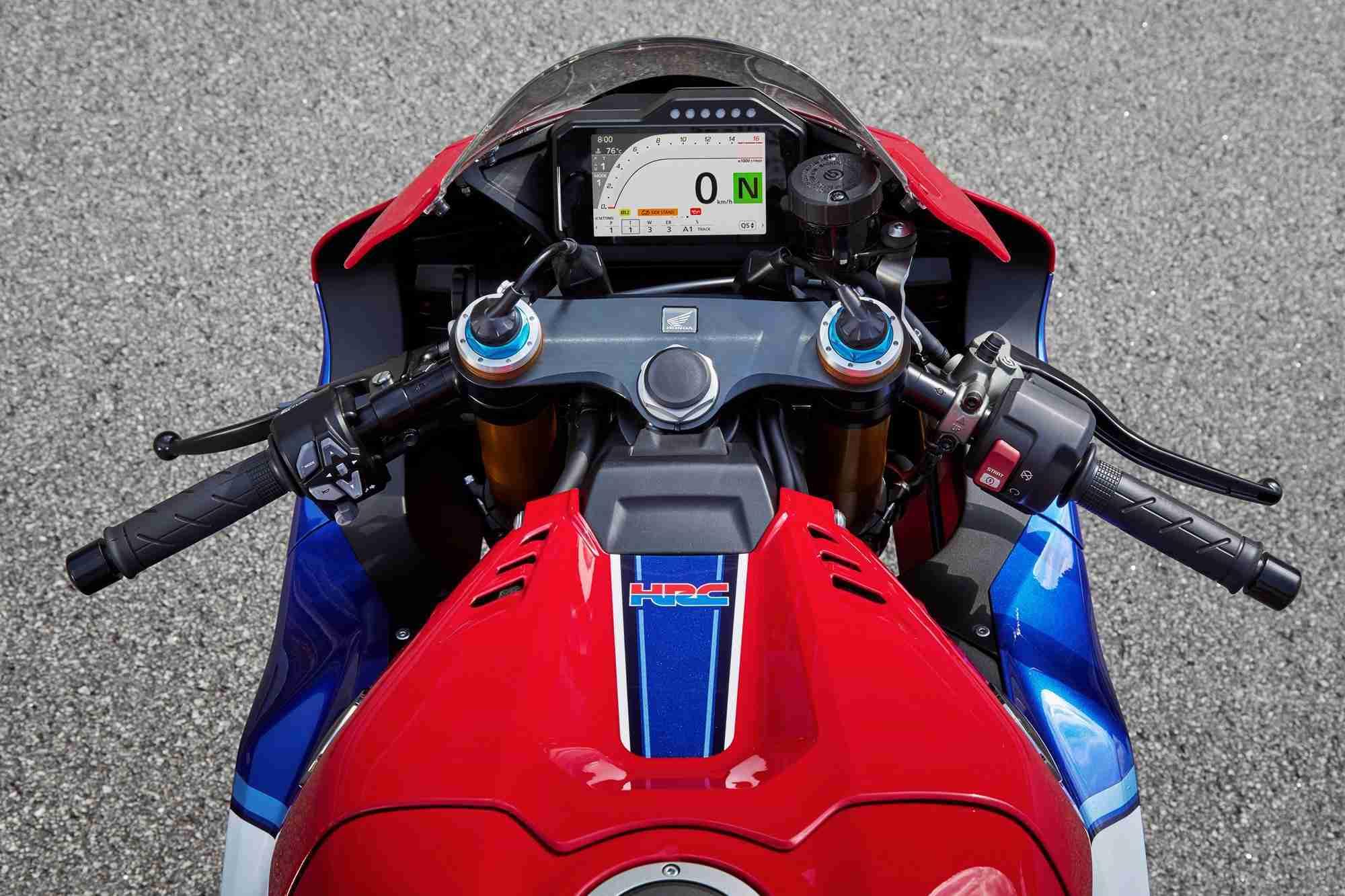 2020 Honda CBR1000RR-R SP Fireblade handlebars cockpit and screen