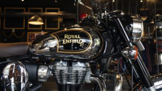 BS6 Royal Enfield Classic 350 Chrome edition tank
