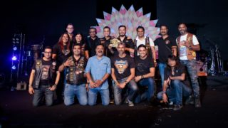 Mr. Sajeev Rajasekharan, Managing Director, H-D India and Mr. Nigel Keough, Vice President, Emerging Markets, H-D, award Goa Harley-Davidson as 'Chapter of the Year (Division B)'
