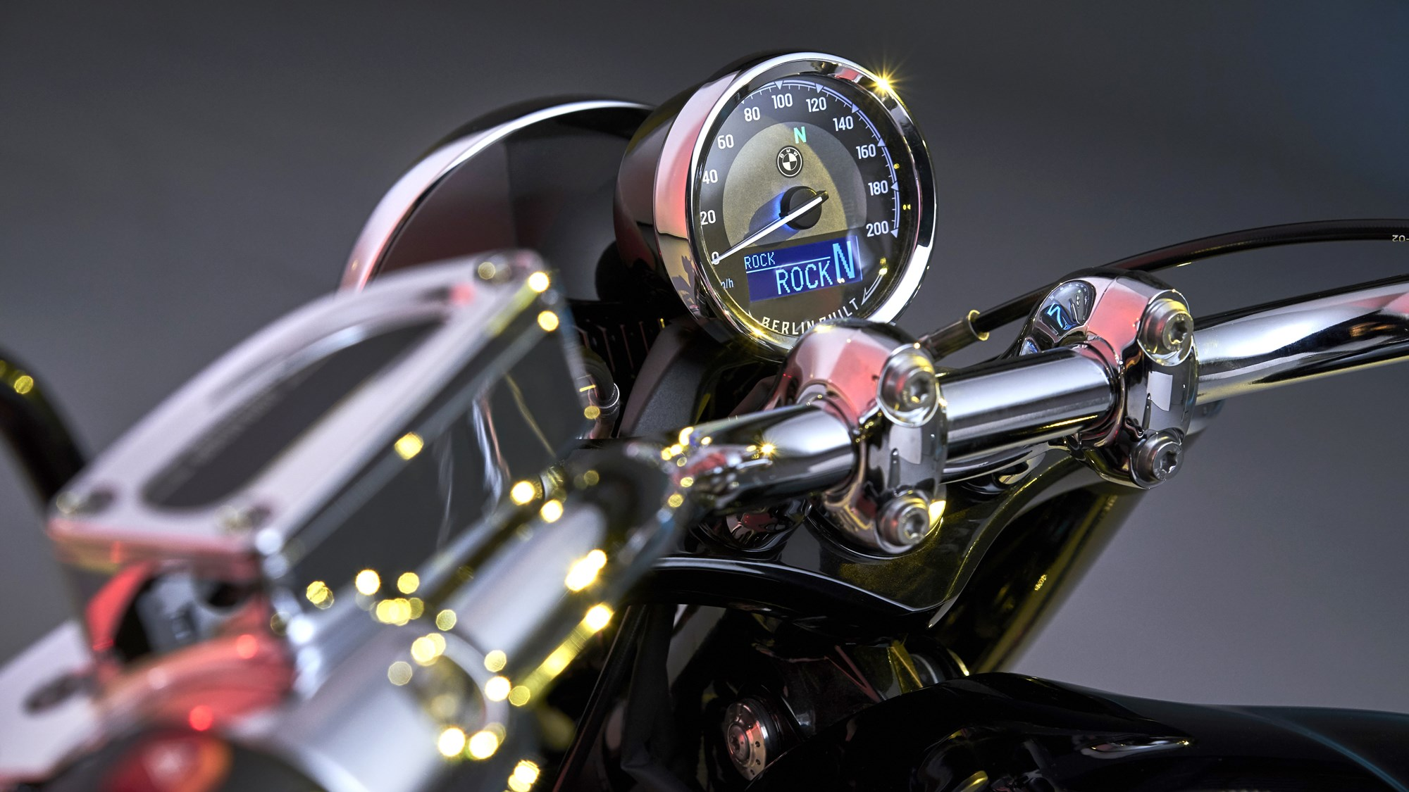 BMW R 18 cruiser boxer engine