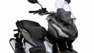 Honda ADV150 front right – headlights