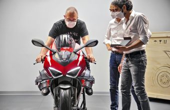 Filip Van Schil Ducati Superleggera V4 001