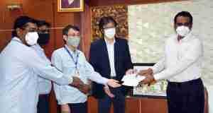 Yamaha donates Rs 25 lakh to Kancheepuram District Collector