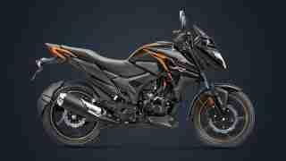 BS6 Honda X-Blade pearl igneous black colour option