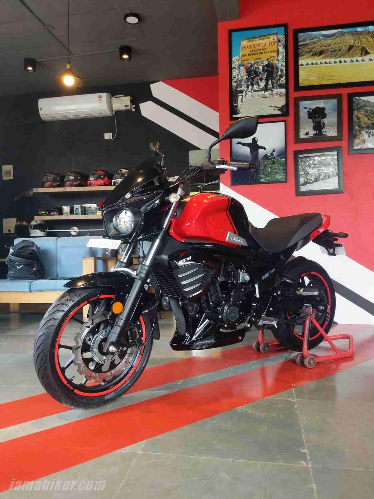 Mahindra Mojo 300 ABS BS6 tyres