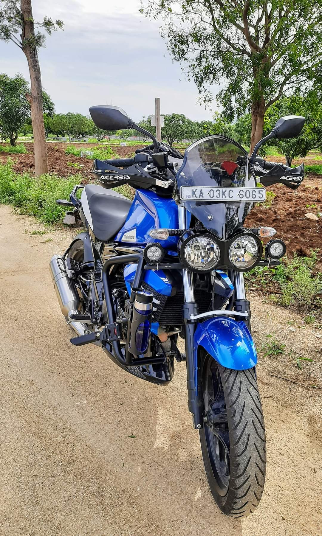 BS6 Mahindra Mojo 300 ABS