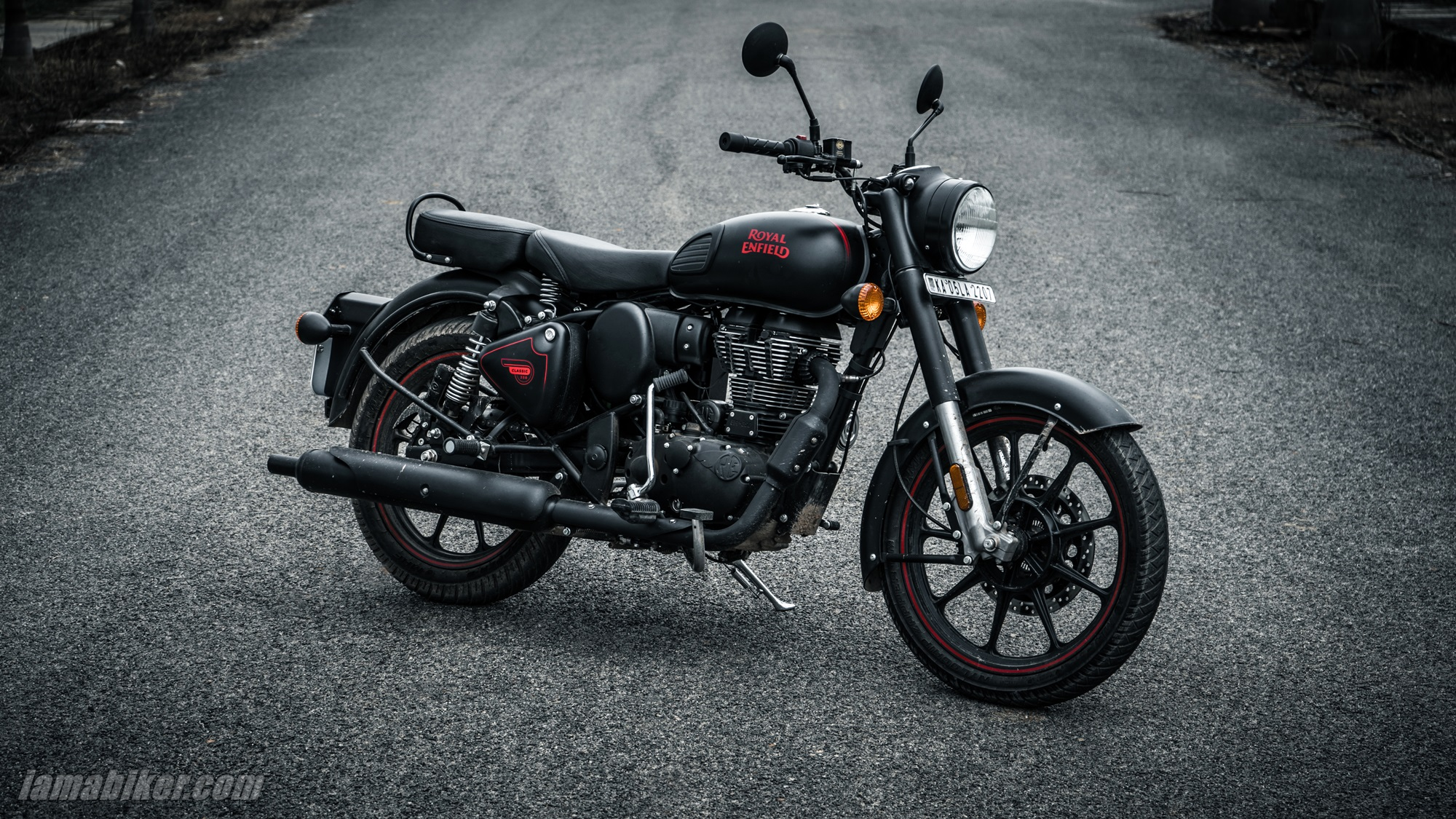 Royal Enfield Classic 350 Bs6 Stealth Black Hd Wallpapers Iamabiker Everything Motorcycle