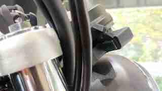 Honda H'ness CB 350 USB C port