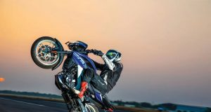Bajaj Pulsar NS200 Fastest Quarter Mile Wheelie Record