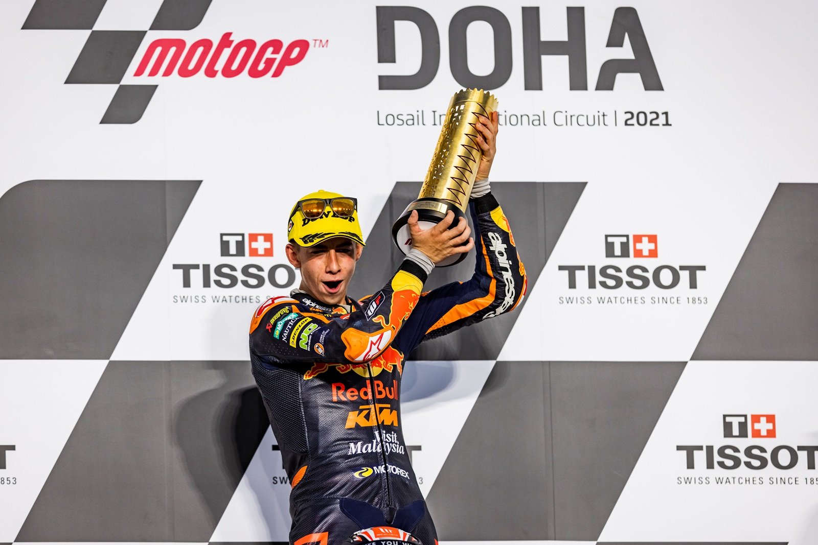 Pedro Acosta does magic in Moto3 Qatar race 2