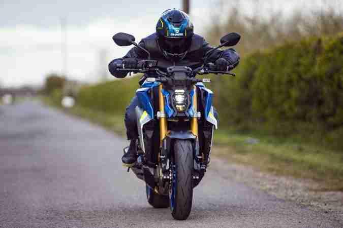2021 Suzuki GSX-S1000 images