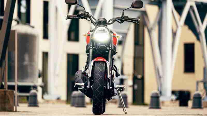 2021 Yamaha XSR125 headlight