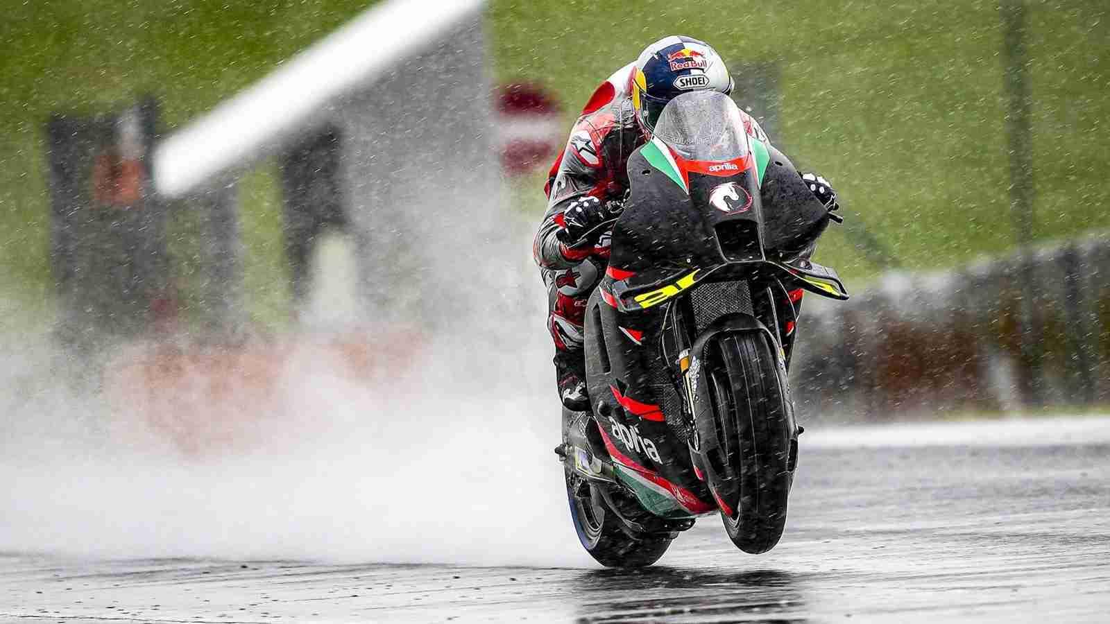 Andrea Dovizioso MotoGP Aprilia