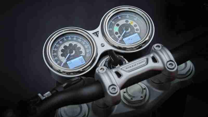 2021 Triumph Speed Twin Meters