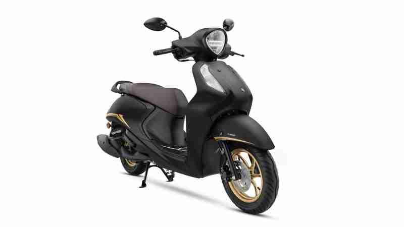 Yamaha Fascino 125 Fi Hybrid Matt Black Special colour option