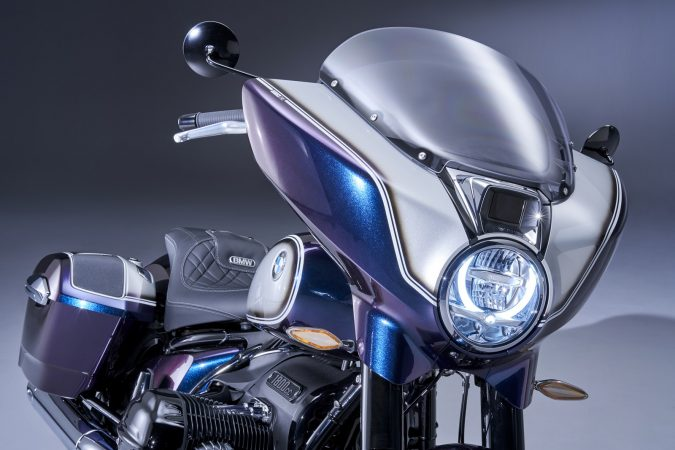 BMW R 18 B headlight