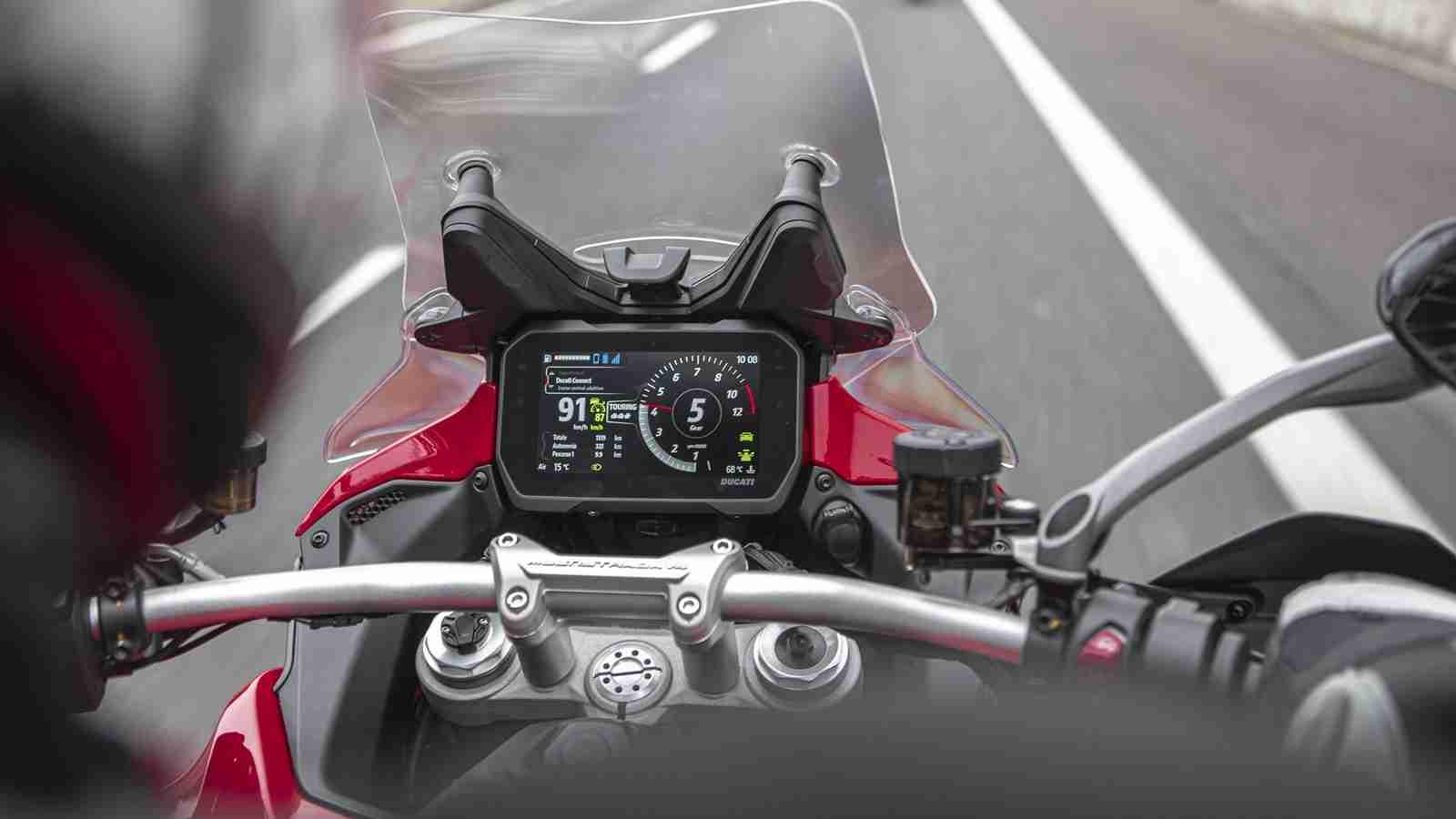 Ducati Multistrada V4 S TFT digital screen