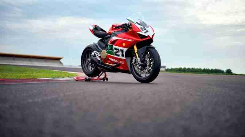Ducati Panigale V2 - Troy Bayliss tribute