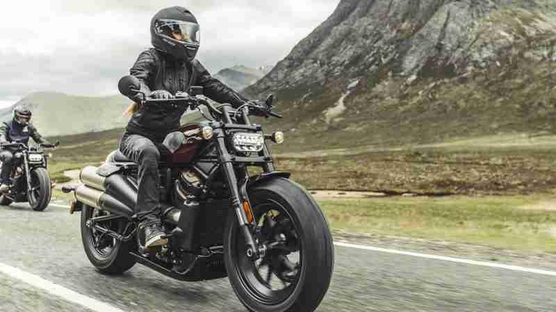 Harley-Davidson Sportster S headlight front view