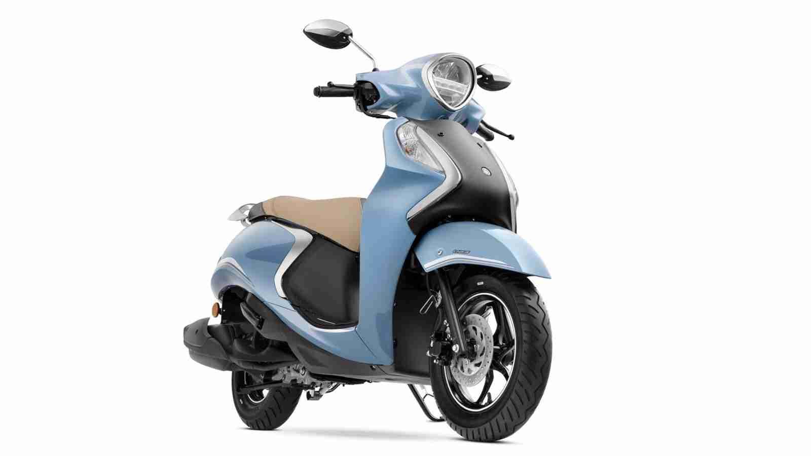 Yamaha Fascino 125 FI Hybrid Disc Variant - Cool Blue Metallic colour option