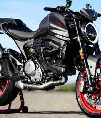 2021 Ducati Monster Plus front