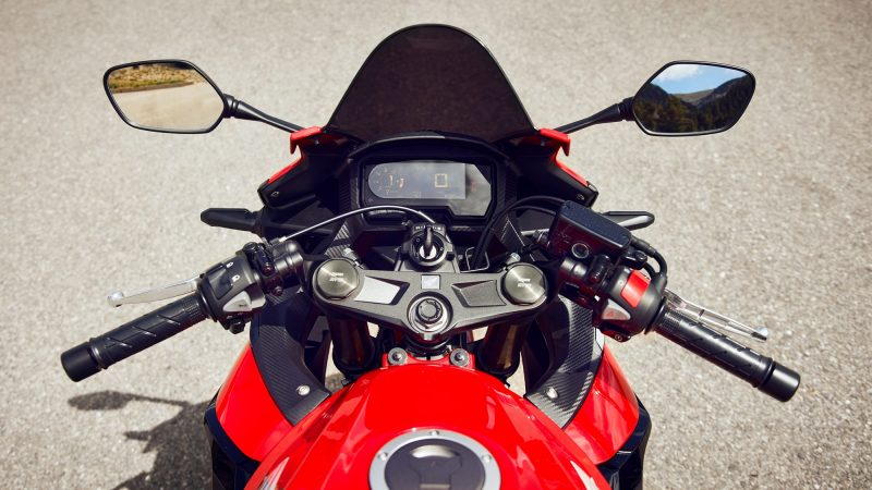 2022 Honda CBR500R handle bar and digital screen