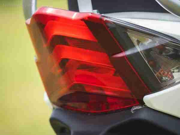PURE EV Etrance Neo tail brake light
