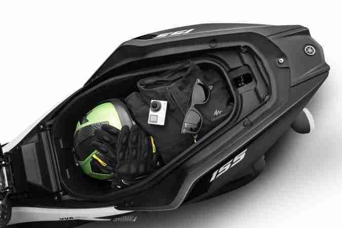 Yamaha AEROX 155 underseat space storage