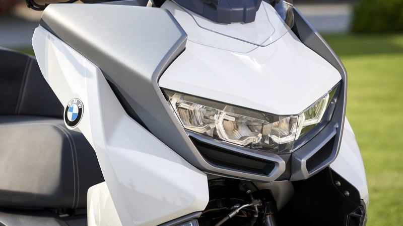 BMW C 400 GT headlights