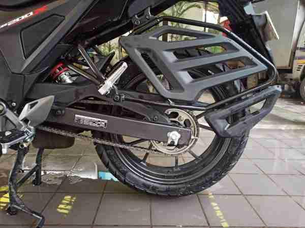 Honda CB200X Chain and saree guard